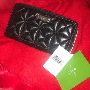 NWT KATE SPADE Black leather quilted wallet as new